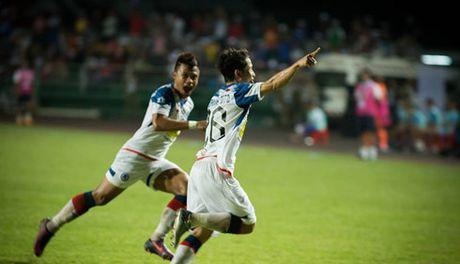 SHB Da Nang thua soc doi bong cua Lao o Mekong Cup - Anh 1