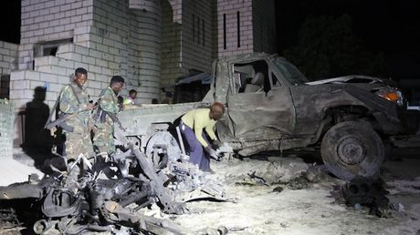 Danh bom gan tru so Quoc hoi Somalia, 2 binh sy thiet mang - Anh 1
