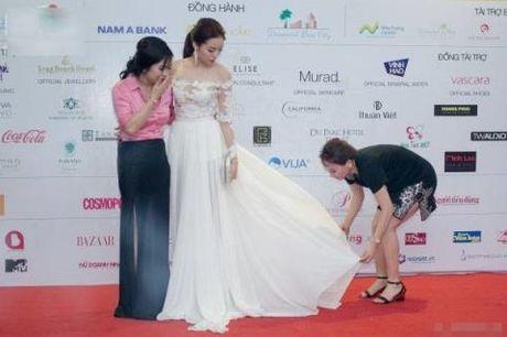 Hoa hau Ky Duyen thay ao moi - Anh 3