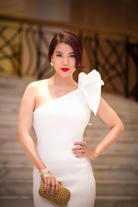 Midu, Nam Em dep long lay tren tham do Ha Thanh - Anh 12