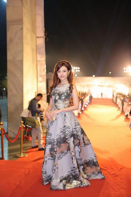 Midu, Nam Em dep long lay tren tham do Ha Thanh - Anh 3