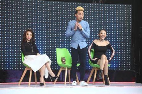 Toc Tien 'guc nga' tren san khau vi nu DJ boc lua - Anh 1