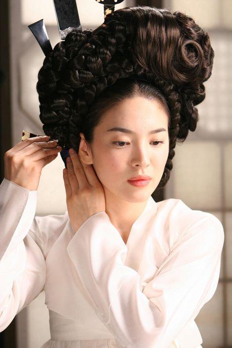 Nhung canh phim 'vuot rao' cua ngoc nu Song Hye Kyo - Anh 17
