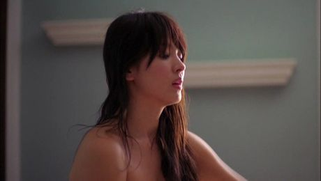 Nhung canh phim 'vuot rao' cua ngoc nu Song Hye Kyo - Anh 2