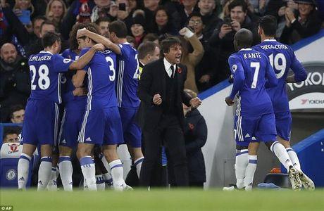 Chelsea 5-0 Everton: Conte dai nao Ngoai hang Anh - Anh 1