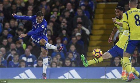 Chelsea 5-0 Everton: Conte dai nao Ngoai hang Anh - Anh 2