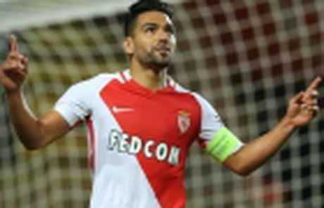 Vong 12 Ligue 1: Falcao bay cao cung Monaco, Marseille chim vao khung hoang - Anh 8