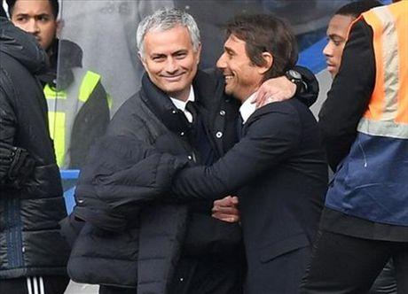 11 tran cua Conte bang ca nam cua Mourinho - Anh 1