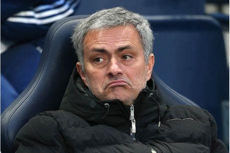 He lo thoi quen di biet cua Mourinho o M.U - Anh 1
