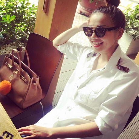 Cach ket hop tui xach mua dong sanh dieu cua Thanh Hang - Anh 3