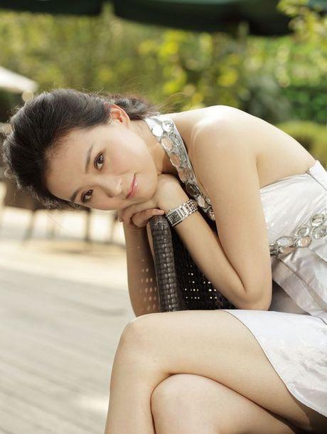 Cuoc song cao cap kho tin cua nang 'Tinh Nhi' sau 'Hoan Chau Cach Cach' - Anh 7