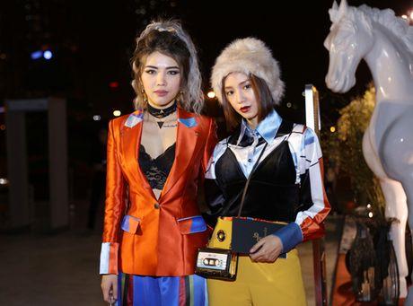 Phan Thanh song doi Sa Lim, Midu le bong di su kien du cung ra Ha Noi - Anh 10