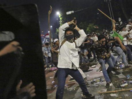 Hang tram ngan nguoi Indonesia yeu cau Thi truong Jakarta tu chuc - Anh 5