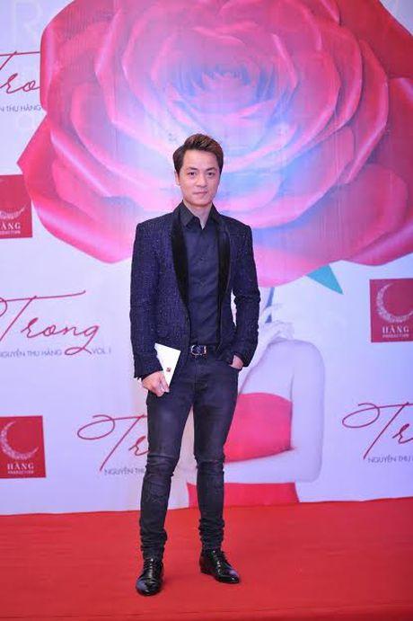 Xuan Lan cung con gai bay gap ra Ha Noi vi Sao mai Thu Hang - Anh 12