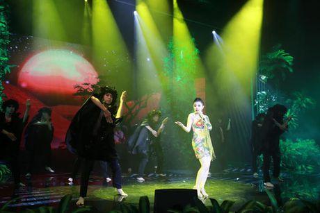 Xuan Lan cung con gai bay gap ra Ha Noi vi Sao mai Thu Hang - Anh 4