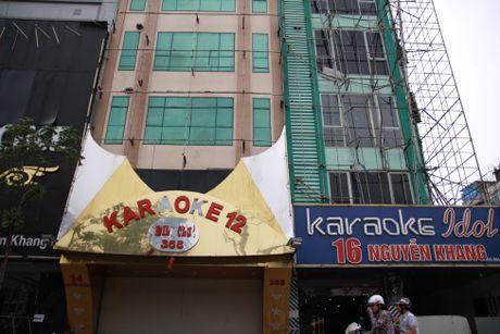 Nhieu pho Karaoke 'xo xac' sau tran hoa hoan kinh hoang - Anh 2