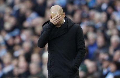 Man City mat diem phut chot, Pep lap ky luc buon - Anh 2