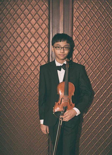 Chat ngoai cua nha van Nguyen Tuan gianh giai Nhat violon quoc te - Anh 1