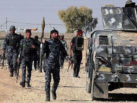 5 lanh dao cap cao cua IS cuom hang trieu do roi tron khoi Mosul - Anh 1