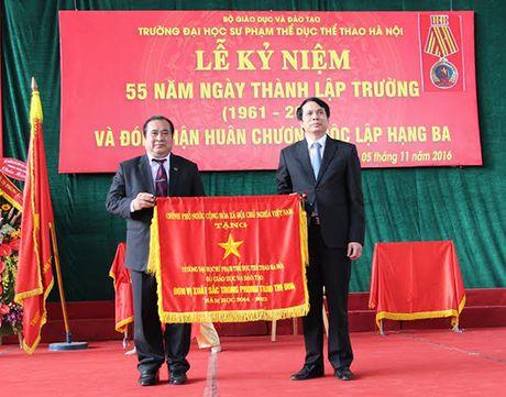 Dai hoc Su pham TDTT Ha Noi don nhan Huan chuong Doc lap hang Ba - Anh 2