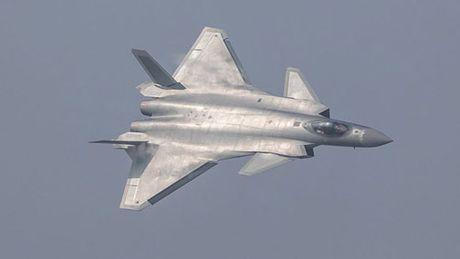 Chuyen gia Nga mo xe 'bao boi' J-20 Trung Quoc - Anh 2