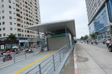 Ha Noi: Cham nhat ngay 15/12 phai chay thu buyt nhanh BRT - Anh 1