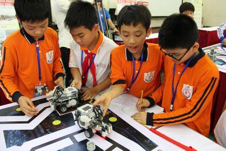 65 doi 'ky su robot' nhi gianh ve du thi quoc te tai Malaysia - Anh 8