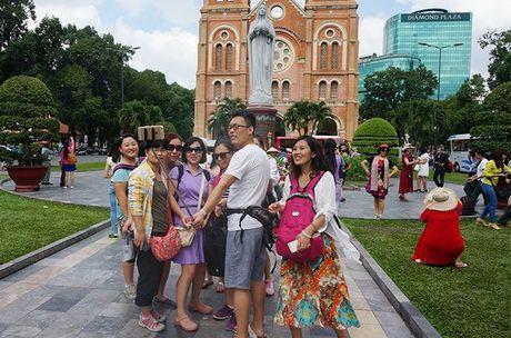 Hang khong Trung Quoc tang chuyen bay den TPHCM - Anh 1