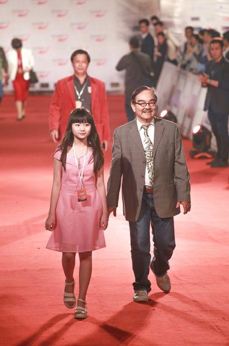 Victor Vu nhin vo dam duoi tren tham do Lien hoan phim - Anh 14