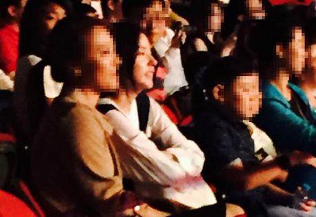 Mac thi phi Kbiz, Taeyang (Big Bang) va ban gai van nong nan - Anh 5