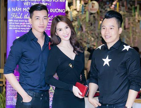 Giau co la the, ong bau Khac Tiep van mac chung do voi cac dan em Venus? - Anh 9