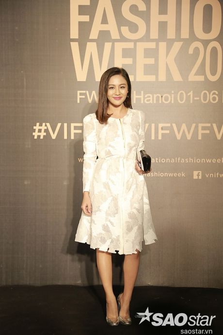 Tham do VIFW #day5: Hoang Ku sanh dieu ngai chi hang hieu, Jolie sexy voi menswear khong noi y - Anh 12