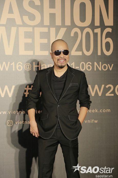Tham do VIFW #day5: Hoang Ku sanh dieu ngai chi hang hieu, Jolie sexy voi menswear khong noi y - Anh 16