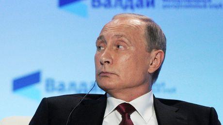 Tong thong Duterte than tuong ong Putin, khen Trump lan Clinton - Anh 2
