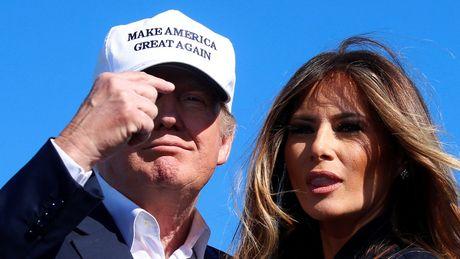 Vo ong Trump tung lam viec khong giay phep tai My - Anh 1