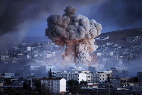Khong phai Nga hay My, ai chiu trach nhiem cho cuoc chien Syria? - Anh 1