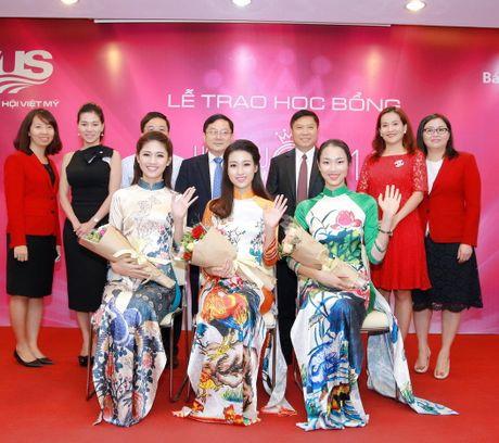 My Linh, Thanh Tu dien ao dai cua hoa hau Ngoc Han - Anh 10