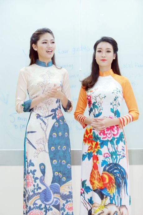 My Linh, Thanh Tu dien ao dai cua hoa hau Ngoc Han - Anh 1