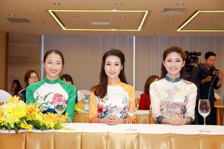 My Linh, Thanh Tu dien ao dai cua hoa hau Ngoc Han - Anh 4