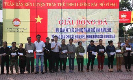MTTQ TP Vinh to chuc giai bong da Dai Doan Ket - Anh 3