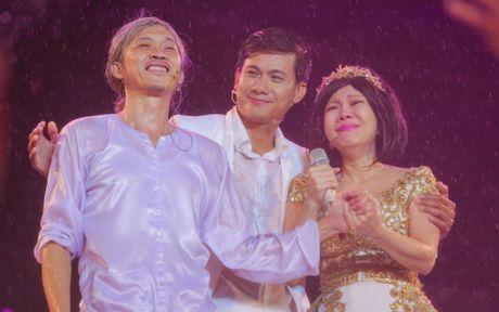 Viet Huong khoc vi hang chuc nghin khan gia dam mua xem show - Anh 10