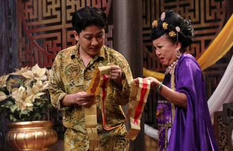 Tran Thanh hon Hua Vi Van tren san khau On gioi - Anh 15