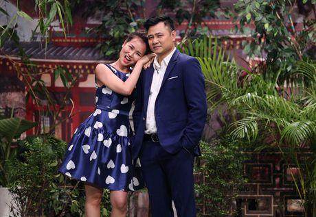 Tran Thanh hon Hua Vi Van tren san khau On gioi - Anh 2