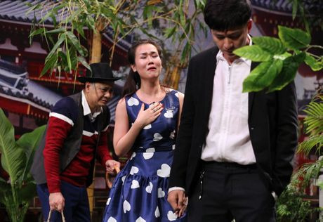 Tran Thanh hon Hua Vi Van tren san khau On gioi - Anh 5