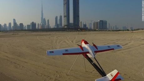 Dubai trien khai 'tho san' flycam vi an toan bay - Anh 2