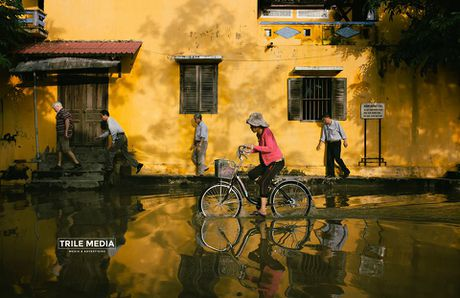 Ghe thuyen vao pho co Hoi An ngay ngap nuoc - Anh 5