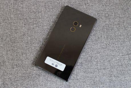 Xiaomi Mi Mix ve VN: Xung danh di dong cua tuong lai - Anh 10