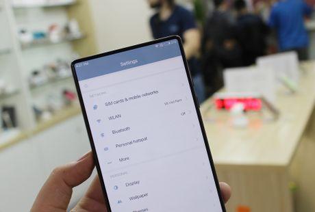 Xiaomi Mi Mix ve VN: Xung danh di dong cua tuong lai - Anh 7