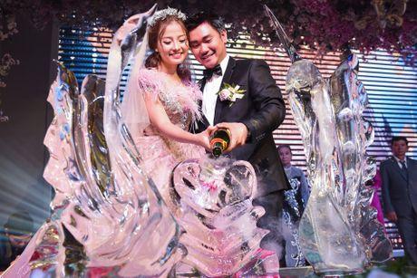 Khanh Hien 'Hoa vang co xanh' hanh phuc ben ong xa Viet kieu - Anh 4