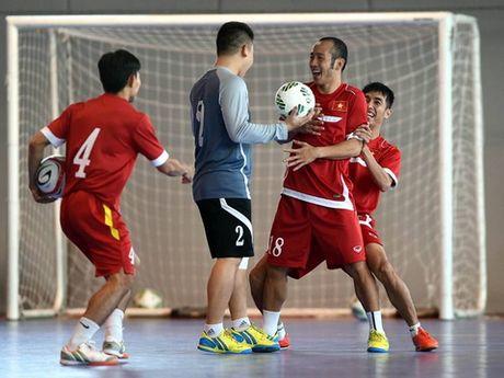 Cuu tien dao Southampton tin Philippines vuot qua vong bang AFF Suzuki Cup 2016 - Anh 2